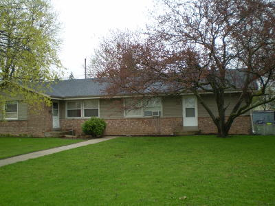 Waukesha Two Family Home For Sale: 1145 W Sunset Dr #1147