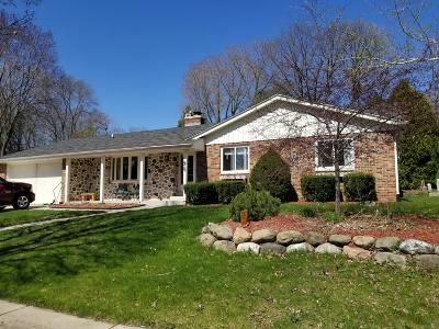 Grafton Single Family Home For Sale: 1909 S Green Bay Rd