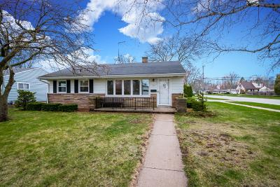 Port Washington Single Family Home Active Contingent With Offer: 951 N Benjamin St