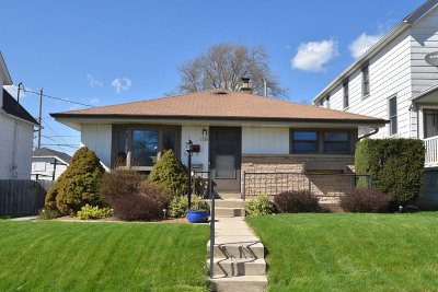 South Milwaukee Single Family Home Active Contingent With Offer: 1330 Monroe Ave