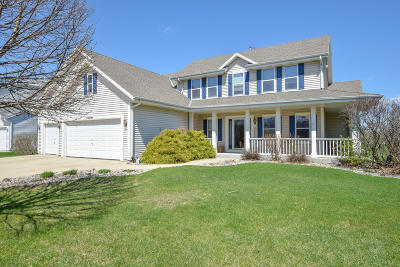 Muskego Single Family Home Active Contingent With Offer: W158s7296 Martin Dr