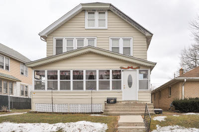 South Milwaukee Two Family Home Active Contingent With Offer: 515 Montana Ave