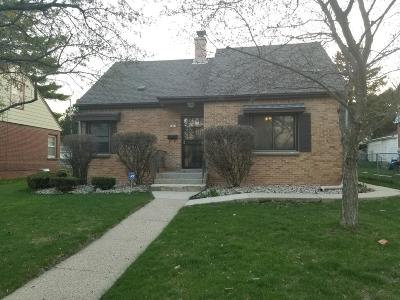 Milwaukee Single Family Home Active Contingent With Offer: 5867 N 34th St