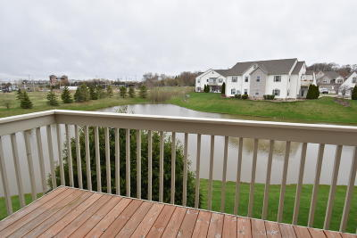 Racine County Condo/Townhouse Active Contingent With Offer: 1138 Hastings Ct #202
