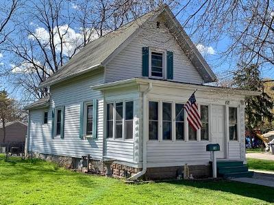 Waukesha Single Family Home Active Contingent With Offer: 118 Central Ave
