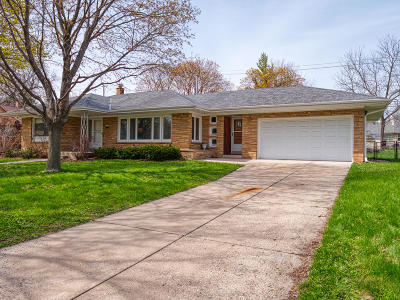 West Allis Single Family Home For Sale: 5526 W Rita Dr