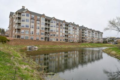 Franklin Condo/Townhouse Active Contingent With Offer: 6955 S Riverwood Blvd #311