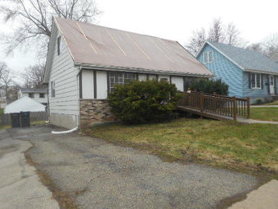 Waukesha Single Family Home Active Contingent With Offer: 2005 Norton Ave