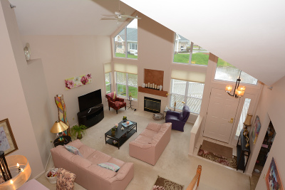 New Berlin Condo/Townhouse Active Contingent With Offer: 14112 W Waters Way