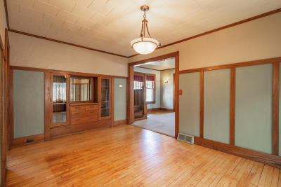 Waukesha Single Family Home Active Contingent With Offer: 200 S West Ave
