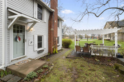Williams Bay Single Family Home For Sale: 36 Highland St