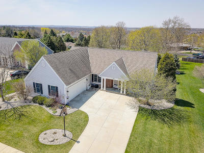 Waukesha Single Family Home Active Contingent With Offer: 1120 Dana Ln