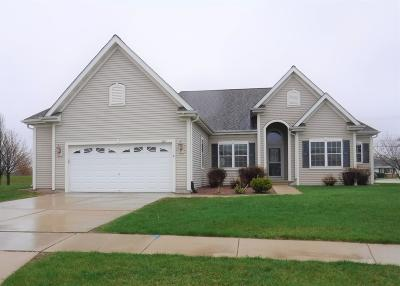West Bend Single Family Home Active Contingent With Offer: 743 Creekwood Ln