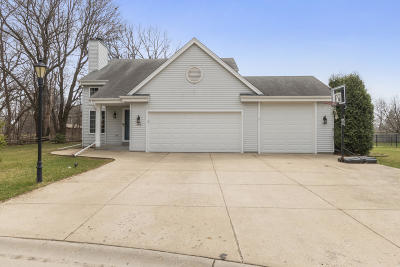 East Troy Single Family Home Active Contingent With Offer: 2531 Posekany Ln