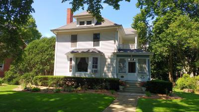 Lake Geneva Single Family Home For Sale: 1011 W Main St