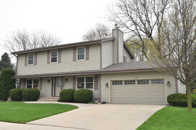 Waukesha Single Family Home Active Contingent With Offer: 1625 Butler Dr