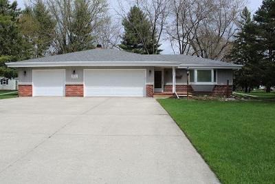 Nashotah Single Family Home Active Contingent With Offer: W332n5524 Linden Cir W
