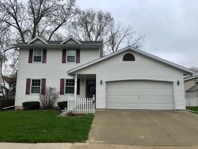Fort Atkinson WI Single Family Home Active Contingent With Offer: $229,900