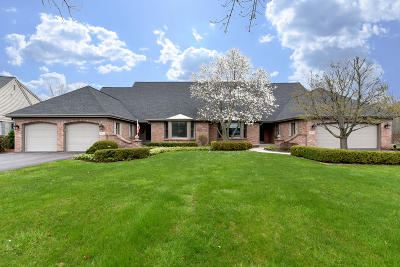 Mequon Condo/Townhouse For Sale: 12622 N Lake Forest Ct