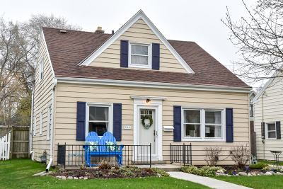 Whitefish Bay Single Family Home Active Contingent With Offer: 5114 N Diversey Blvd