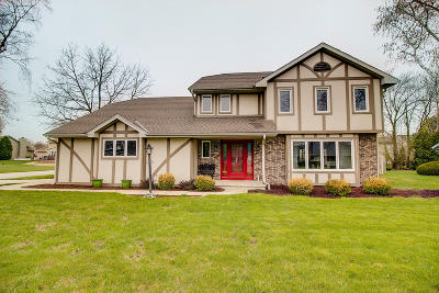 New Berlin Single Family Home Active Contingent With Offer: 13165 W Scarborough Dr