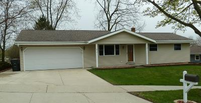 West Bend Single Family Home Active Contingent With Offer: 1812 Green Tree Rd