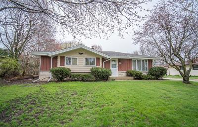 Sussex Single Family Home Active Contingent With Offer: N65w24474 Ivy Ave