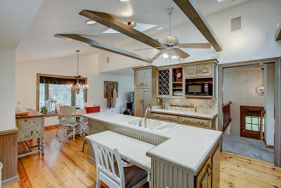 Pewaukee Single Family Home For Sale: W272n1347 Spring Hill Dr