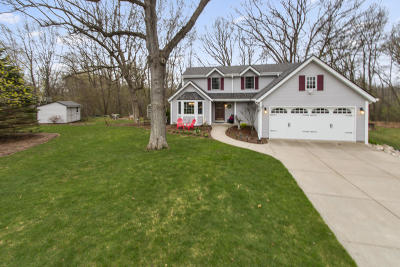 Waterford Single Family Home Active Contingent With Offer: 27407 Lemays Ct