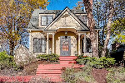 Wauwatosa Single Family Home For Sale: 1740 Mountain Ave