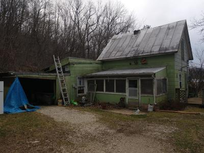 Vernon County Single Family Home For Sale: E1421 State Road 82