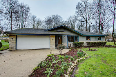 Germantown Single Family Home Active Contingent With Offer: W201n11517 Oakview Ave