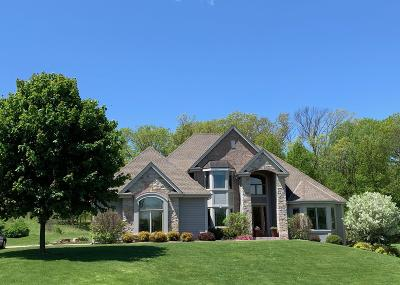 West Bend Single Family Home For Sale: 6023 Scenic Dr