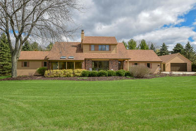 Nashotah Single Family Home Active Contingent With Offer: W331n5948 Cedar Bay Dr