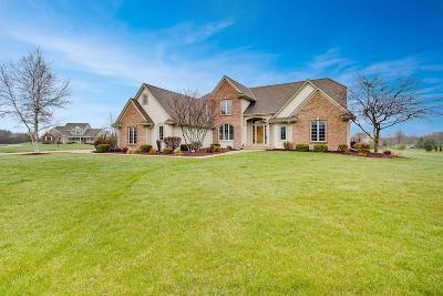 Ozaukee County Single Family Home Active Contingent With Offer: 1432 Lebon Ln
