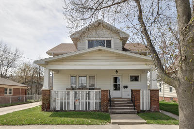 Racine Single Family Home For Sale: 1338 Grove Ave