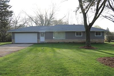 Brookfield Single Family Home Active Contingent With Offer: 3340 N Calhoun Rd