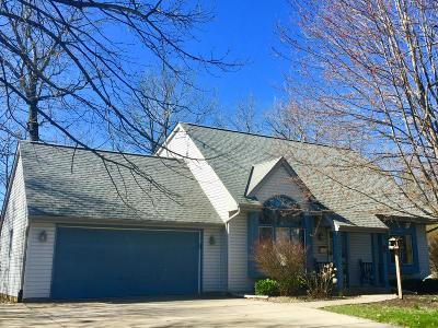 Racine Single Family Home For Sale: 3231 Great Oak Dr