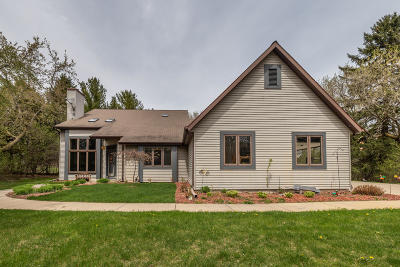 Ozaukee County Single Family Home Active Contingent With Offer: 7702 W Evergreen Rd