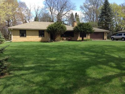 Brookfield Single Family Home For Sale: 770 Rackwood Ct