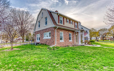 Kohler Single Family Home Active Contingent With Offer: 729 W Park Ln