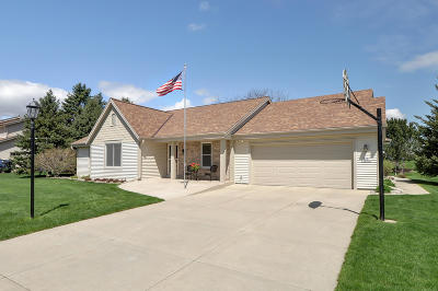 Muskego Single Family Home Active Contingent With Offer: S76w16200 Bridgeport Way