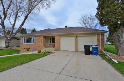 Racine Single Family Home Active Contingent With Offer: 2827 N Wisconsin St
