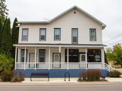 Single Family Home For Sale: 502 Main St