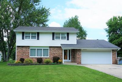 Oconomowoc Single Family Home For Sale: N59w39740 Sunnyfield Dr