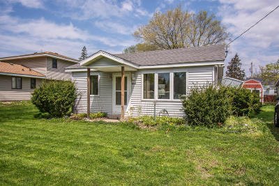 Genoa City Single Family Home Active Contingent With Offer: W946 Hyacinth Rd