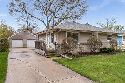 Kenosha Single Family Home Active Contingent With Offer: 2515 82nd St