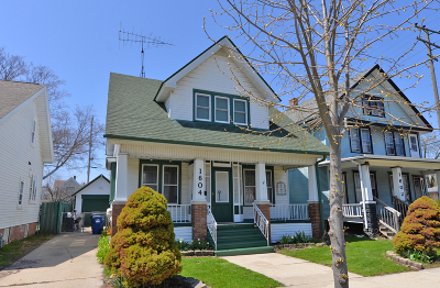 Racine Single Family Home For Sale: 1604 Quincy Ave