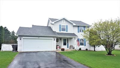 East Troy Single Family Home Active Contingent With Offer: 2727 Prairie Ct