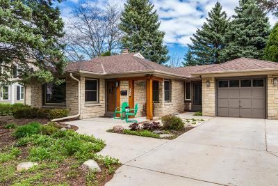 Wauwatosa Single Family Home Active Contingent With Offer: 510 Elm Spring Ave